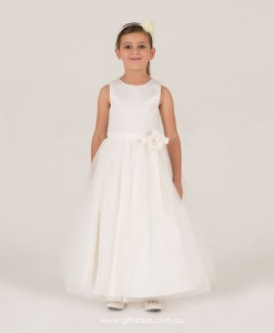chrissy-7017-flowergirl-front