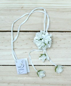 wedding-charm-floral-posie