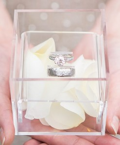 9736-acrylic-wedding-ring-box