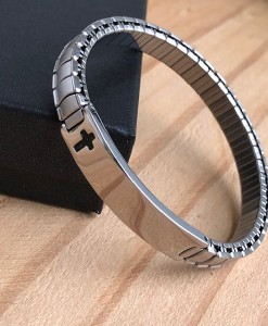 Metal-Bracelet-with-cross