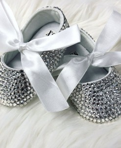 baby-shoes-diamante