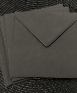 envelope 160sq black