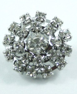 round-diamante-brooch